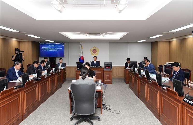 제281회 정례회 도시안전건설위원회 회의 이미지