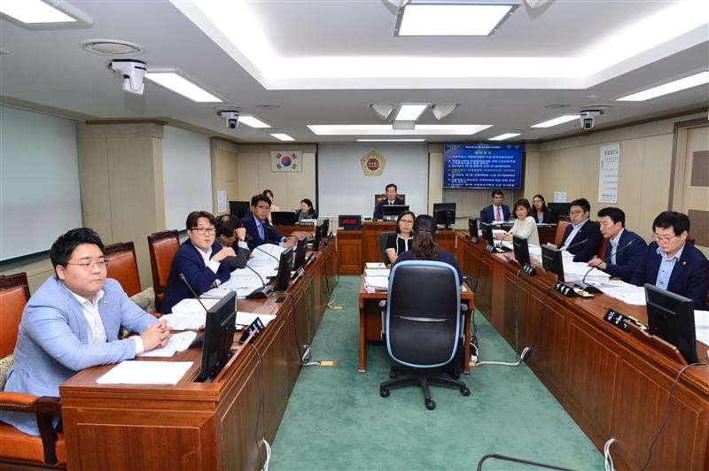 제283회 임시회 행정자치위원회 회의 이미지