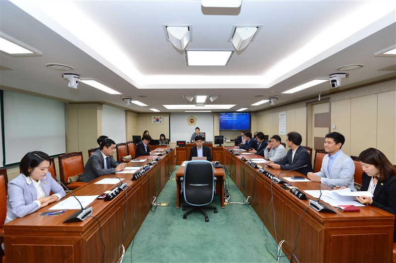 제283회 임시회 폐회중 청년특별위원회 이미지