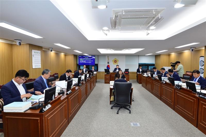 제287회 정례회 도시안전건설위원회 회의 이미지