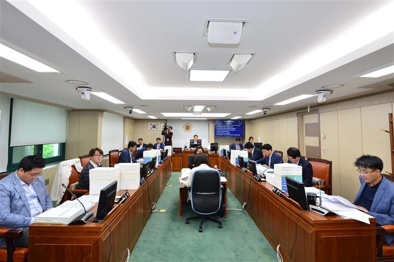 제287회 정례회 행정자치위원회 회의 이미지