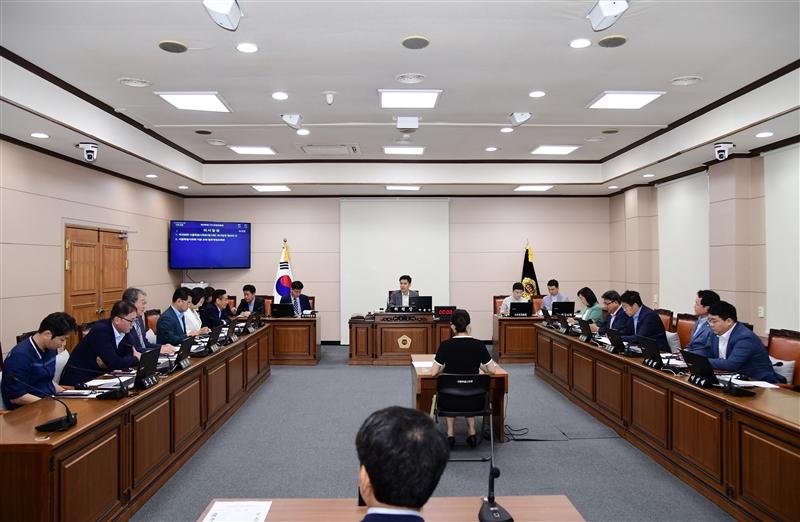제288회 임시회 운영위원회 회의 이미지
