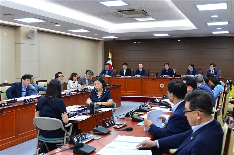 제289회 임시회 예산결산특별위원회 회의 이미지