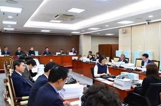 제290회 정례회 예산결산특별위원회 회의 이미지