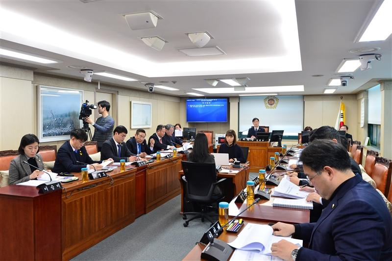 제14차 서울특별시의회 체육단체 비위근절을 위한 행정사무조사 특별위원회 회의 이미지
