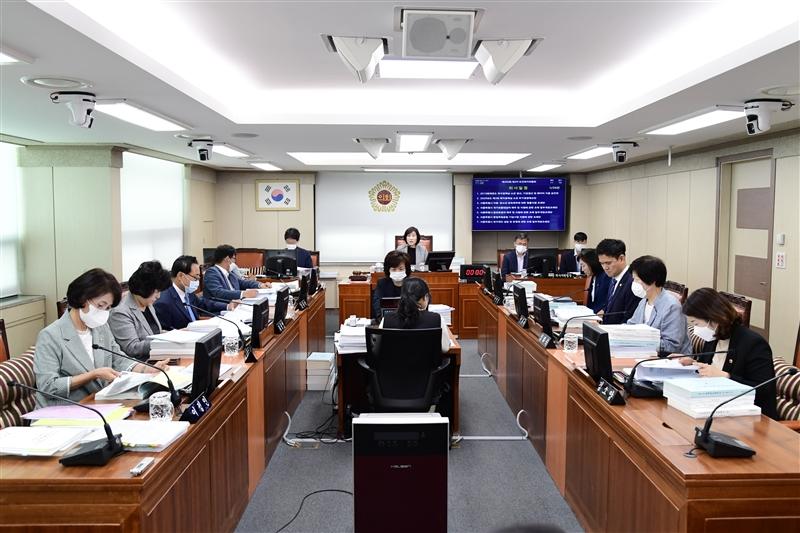 제295회 정례회 보건복지위원회 회의 이미지