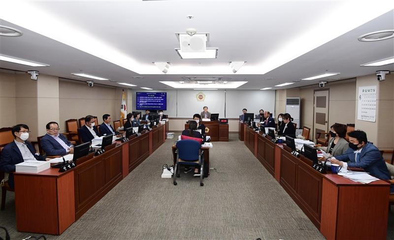 제295회 정례회 교육위원회 회의 이미지