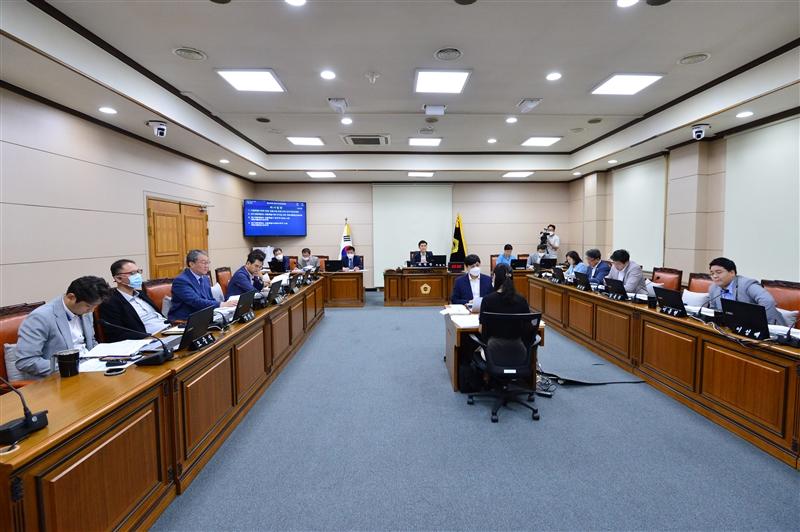 제295회 정례회 운영위원회 회의 이미지