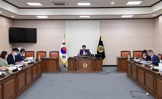 의원 정책개발 연구용역 심의위원회 위촉식 및 회의